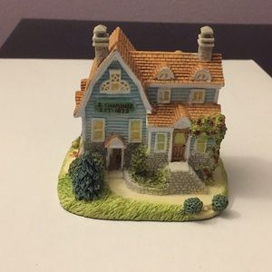 Liberty Falls Handy Andy Malloy's House Figurine